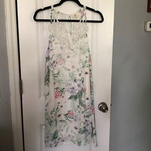 Spring floral print dress, never worn only washed